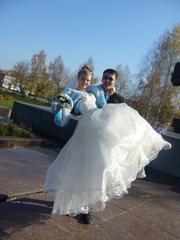 Продам очень красивое свадебное платье(брызги шампанского)